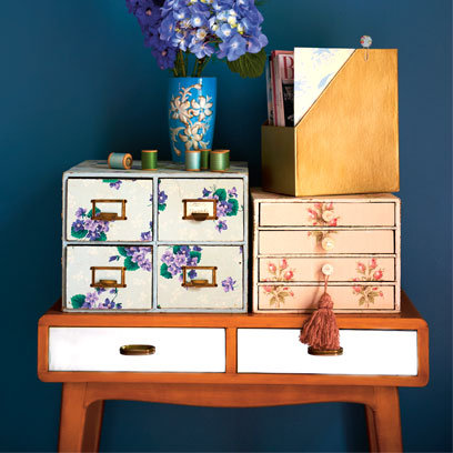 how-to-wallpaper-drawers-pearl-lowe-s-vintage-craft_article_banner_img