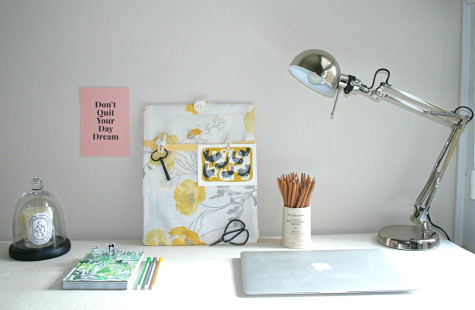 Desk featuring memo board