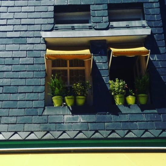 Honfleur yellow window